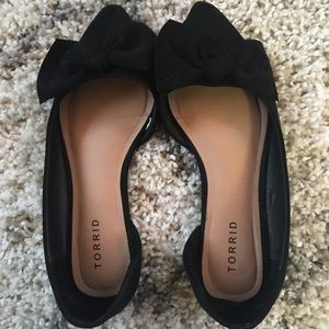 Black d'orsay flats from Torrid. Cute bow detail